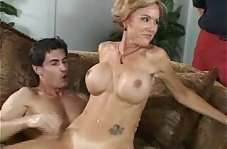 She Perform Better Infront Of Her Husband xxx tube video