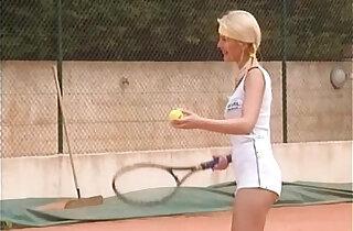 Matchball In Die Feuchte Spalte FULL VINTAGE MOVIE xxx tube video