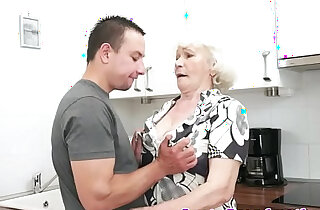 Seducing granny screwed in her hairypussy xxx tube video