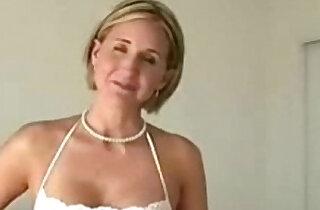 Horny housewife xxx tube video
