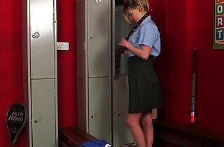Schoolgirl gloryhole xxx tube video