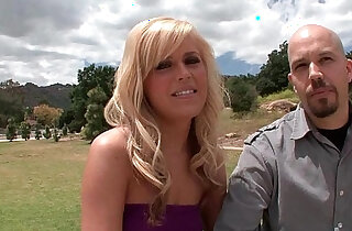 Blonde soccer mom lets cuckold hubby watch xxx tube video
