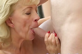 Saggytit grandma creampied in shavedpussy xxx tube video