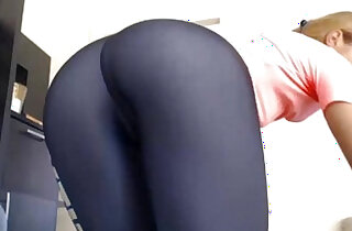 Hot Pink Pussy Works Out and Strips Her Yoga Pants xxx tube video