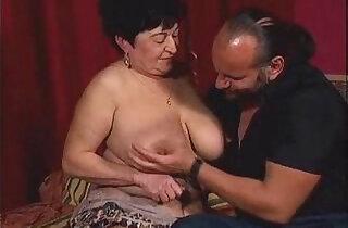Chunky granny wants hard cock xxx tube video