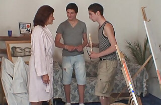 Old bitch anal banged by two young painters xxx tube video