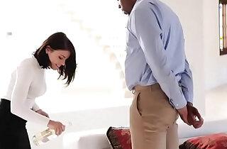 Real Estate Agent Fucks Black Customer xxx tube video