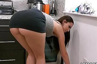 Gorgeous busty brunette big ass babe Aidra Fox fucks handy man xxx tube video