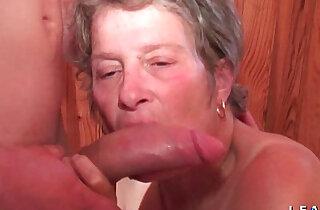 Grand mere sodomisee et fistee par un jeunot pour son casting porno amateur xxx tube video