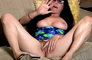Sexy old spunker talks dirty and frigs her juicy pussy U xxx tube video