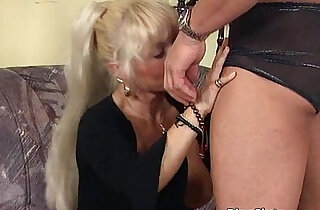 Ultra blonde mature loves younger xxx tube video