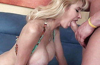 Blonde soccer mom Tara Moon gets huge tits covered in cum xxx porn
