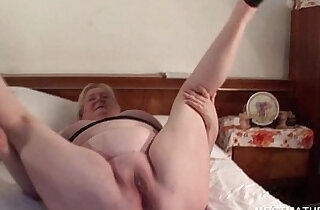 Lucky excited mature babe in stockings gets fat pussy fucked xxx tube video