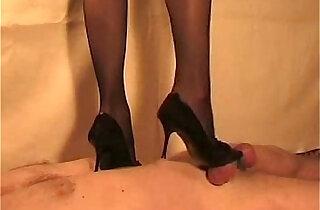British Indian Desi mistress Sophie Patel trampling cock n giving handjob slave xxx tube video