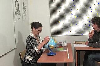 Russian mature teacher Irina geography lesson xxx tube video