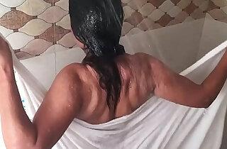 Making Of Hot Bathroom Scene Lal Chhadi In Bathroom Ye Hai Badnaam Rishte Hindi Hot Movie HD xxx tube video