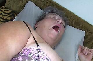 Old chubby mom teaches her chubby woman masturbating use dildo xxx tube video