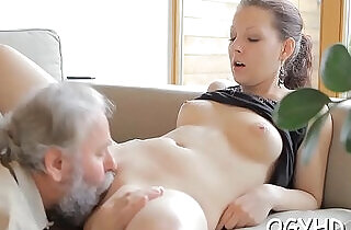 Juvenile nympho licks old strapon xxx tube video