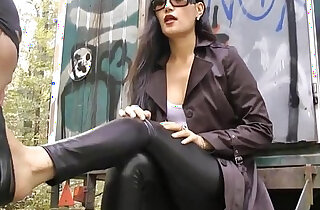 smelling high heels with full intensity xxx tube video