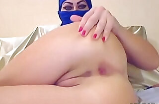 Arab Slut In Hijab Tries out Anal With A Dildo xxx tube video