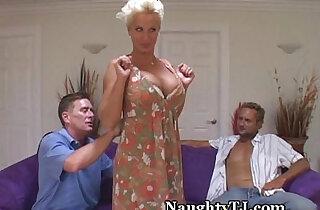 Naughty slut MILF Pussy With her Friend xxx tube video