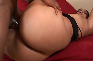 ghetto hoe showing off her dick sucking skills and fuck xxx tube video