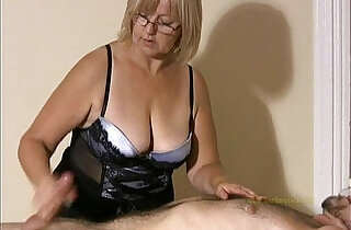 Big titted professional masseuse sensually massages client and his cock xxx tube video