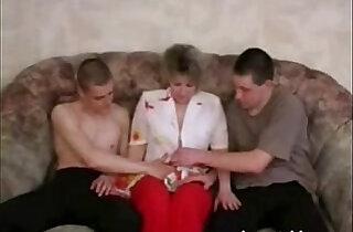 Pretty lady seduced two guys xxx tube video
